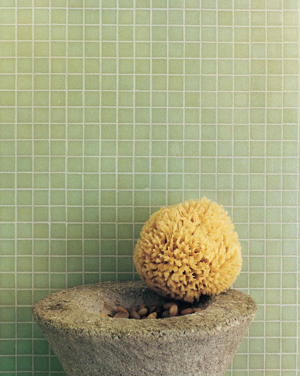 Bathing Beauties: The Simple Ideas Behind 2 Stylish Bathroom Makeovers