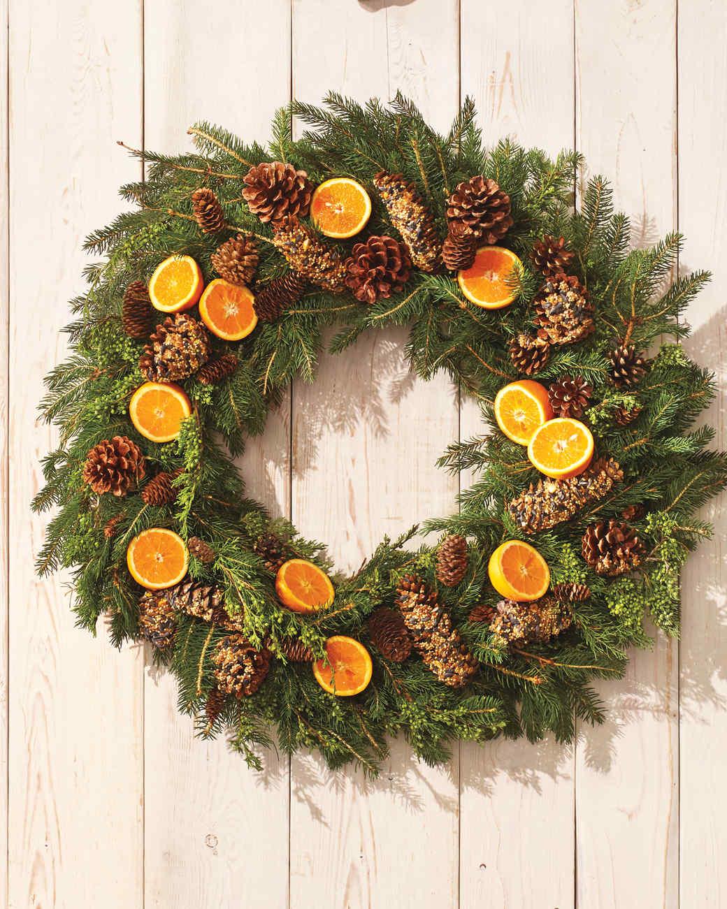 bird-feeder-wreath-354-d112293.jpg