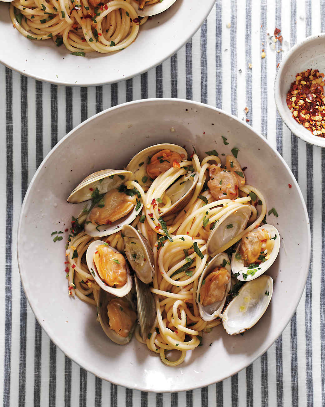 Spicy Clams with Spaghetti