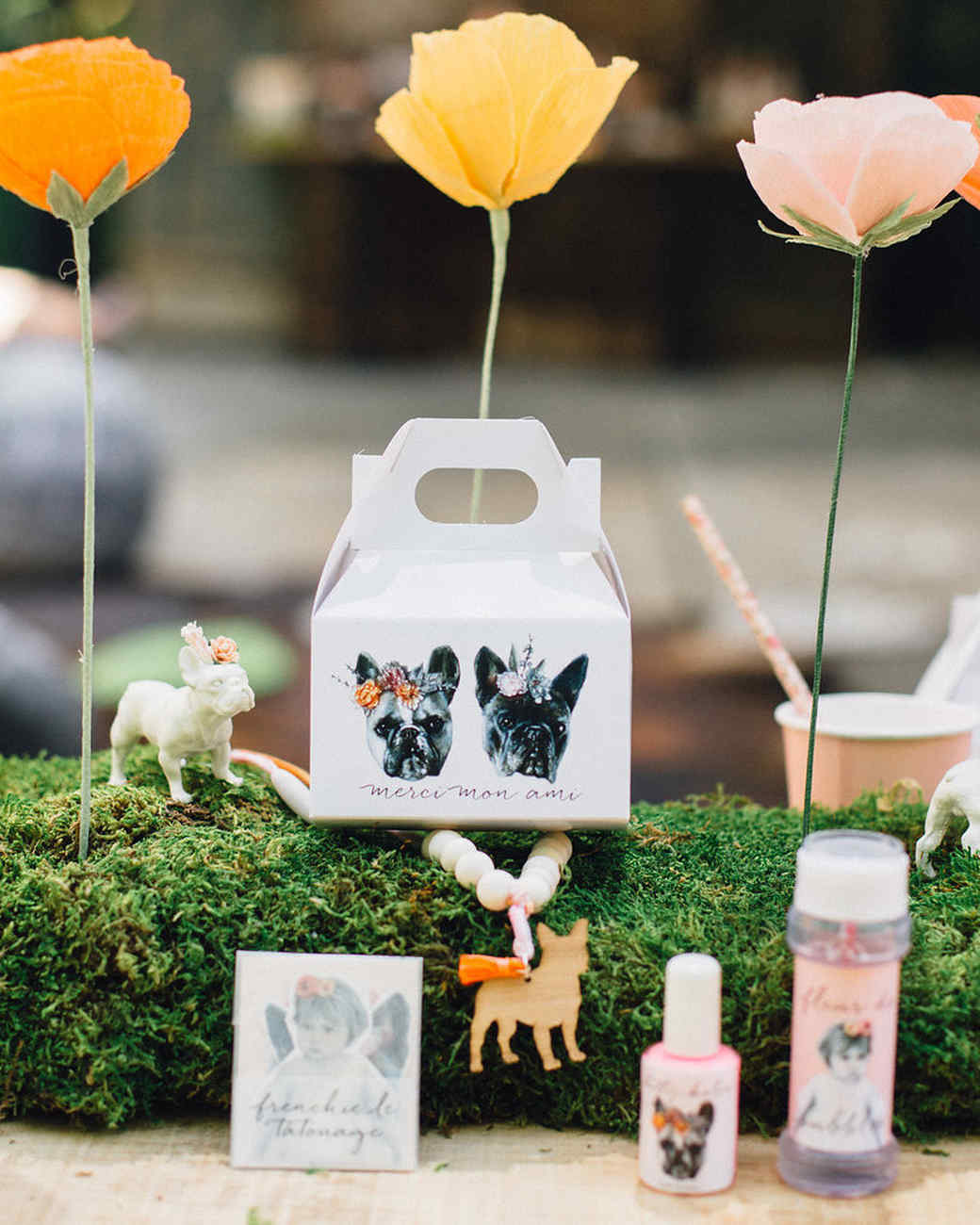 Party favors with a Frenchie theme.
