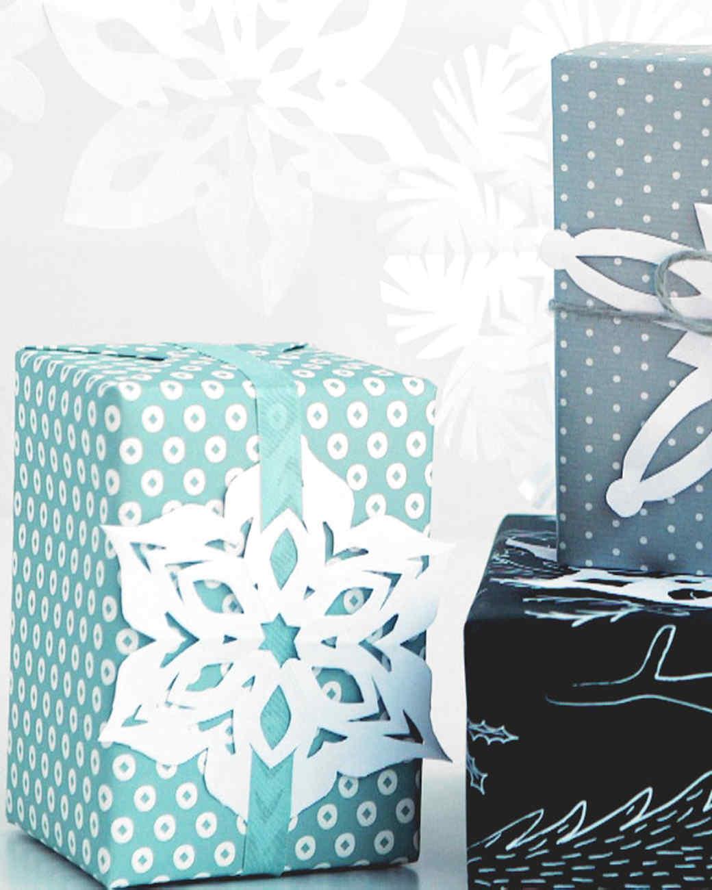 festive_paper_snowflakes.jpg
