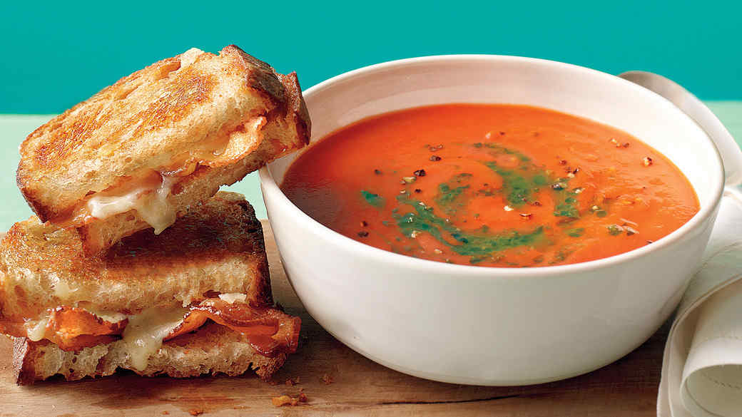 TOMATO SOUP AND GRILLED CHEESE CASSEROLE