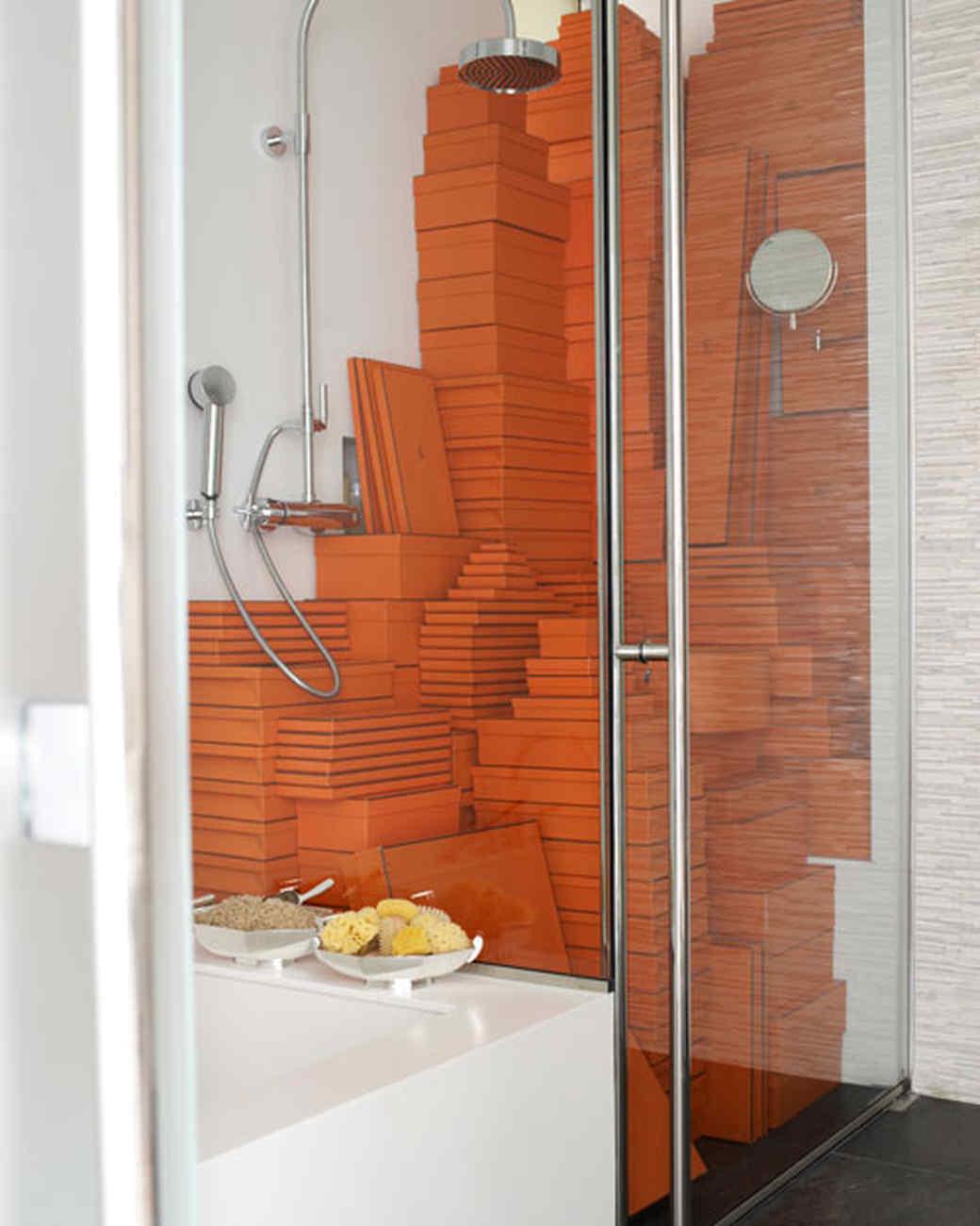 mld106055_0610_sharkeybathroom.jpg