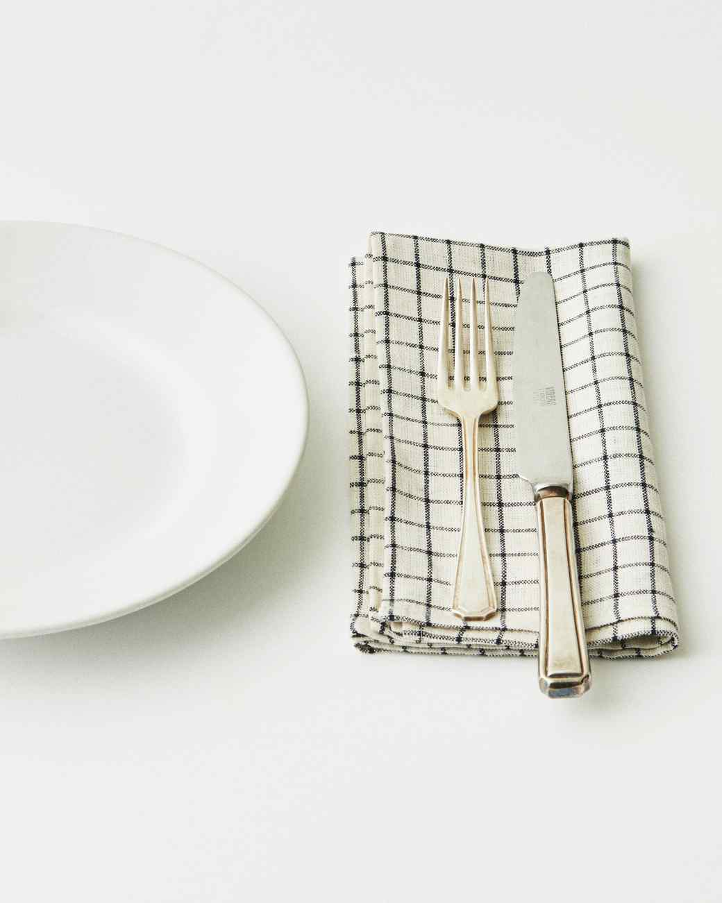 napkin-plaid-with-cutlery-0617