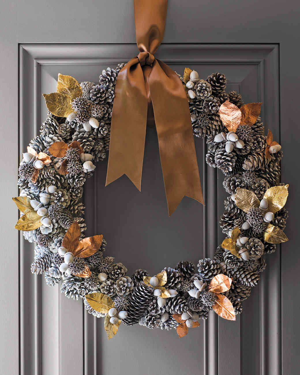 How to make a holiday pinecone wreath | hgtv.