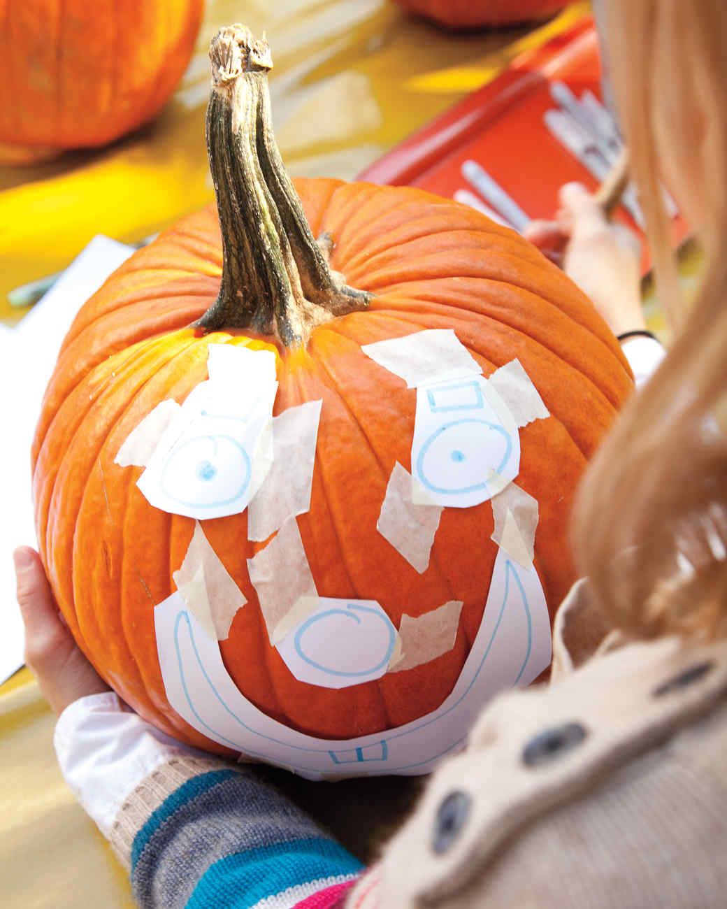 pumpkin-carving-1011mld106819f.jpg