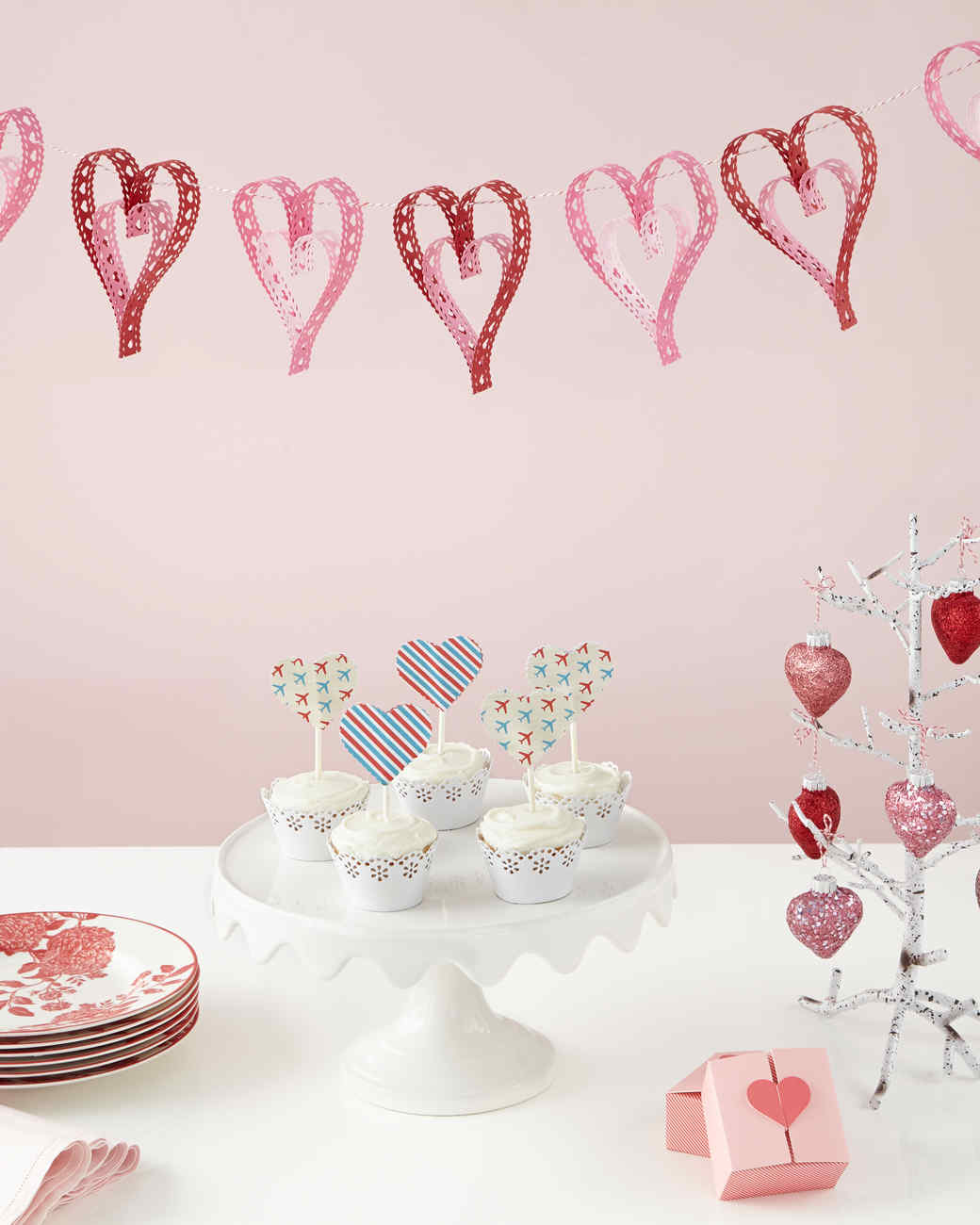 14 Last Minute Valentine S Day Cards Crafts And Ideas Martha Stewart