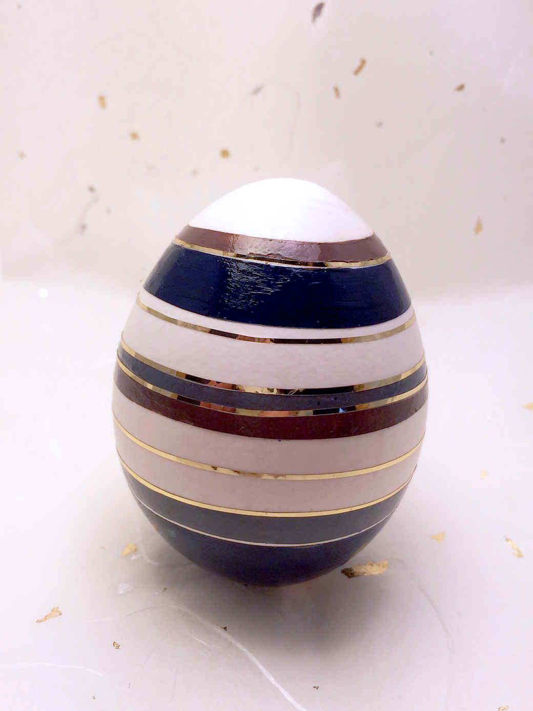 easter-nail-polish-stripes-1215.jpg (skyword:212294)
