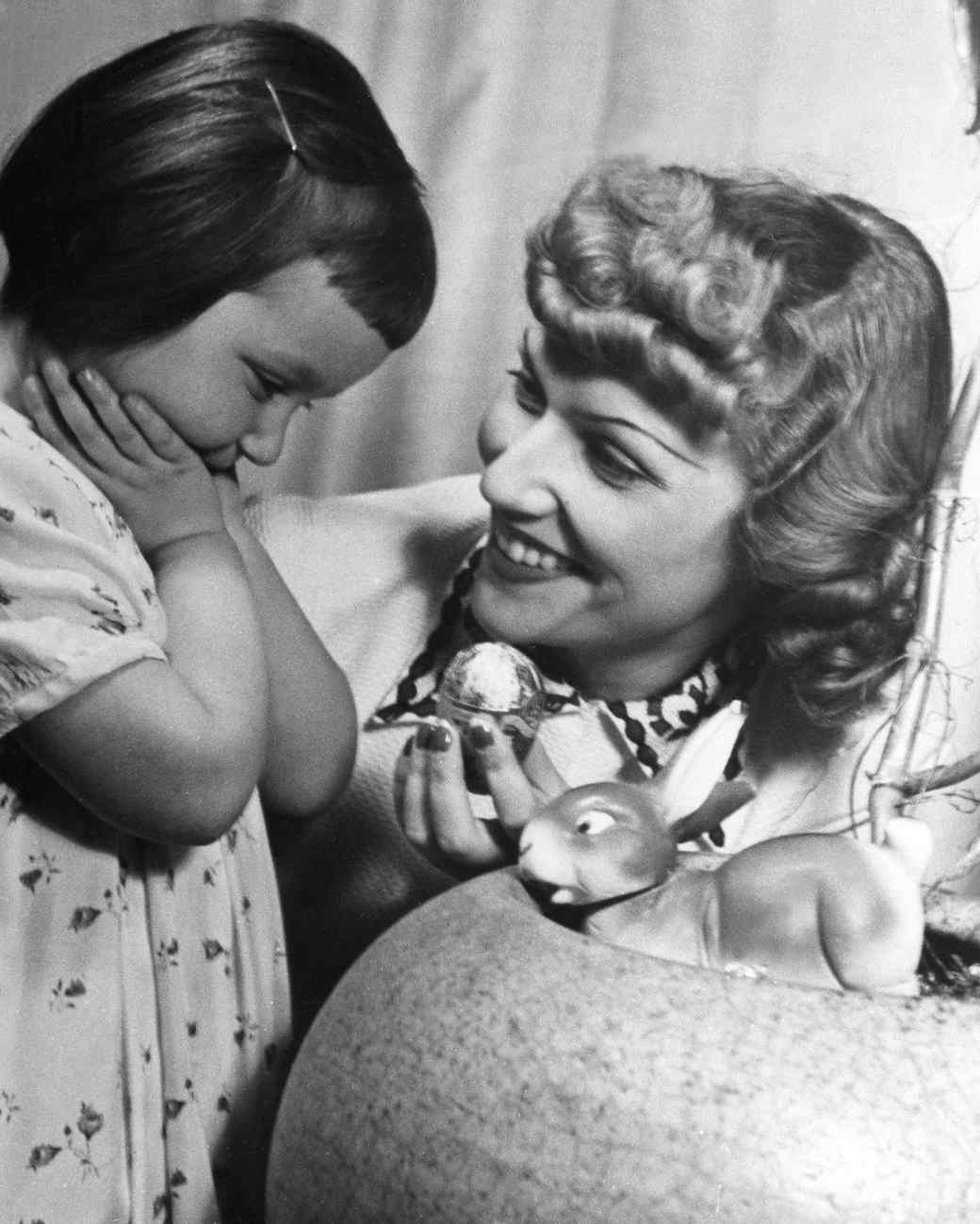 Hilde Weissner and daughter Viola