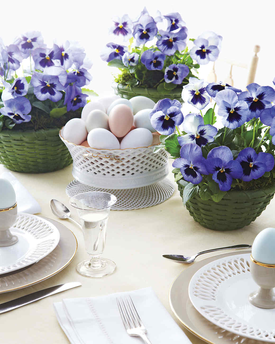 pansies-center-pieces-mld107426.jpg
