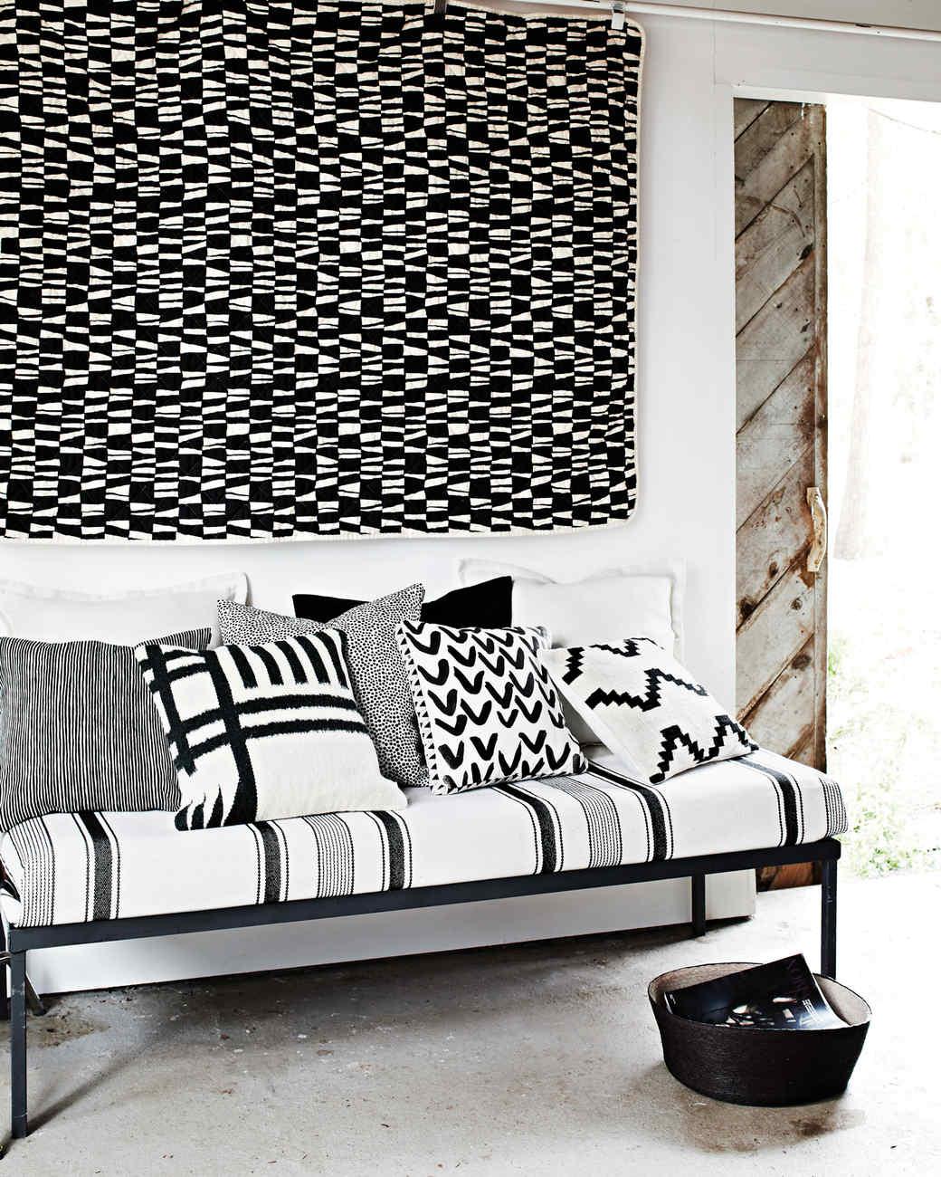 black-white-day-bed-9523-d113008.jpg