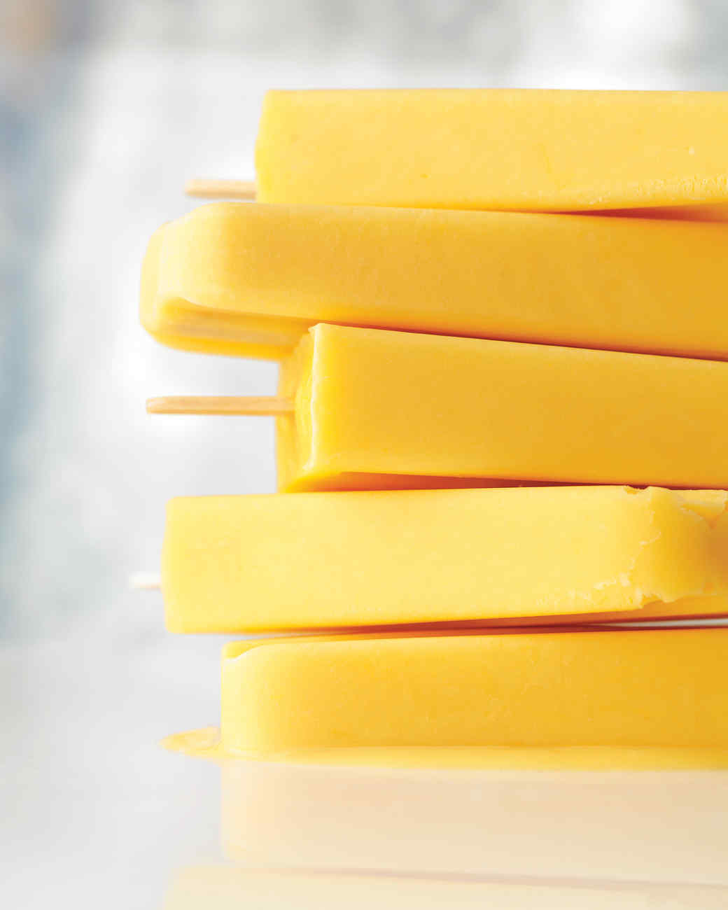 creamy-orange-popsicle-med108462.jpg