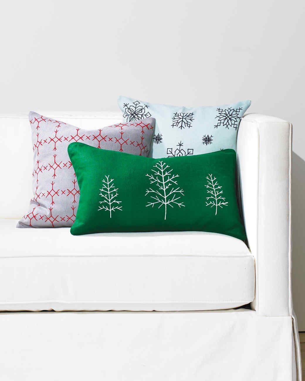 cross-stitch-pillows-326-d111491.jpg