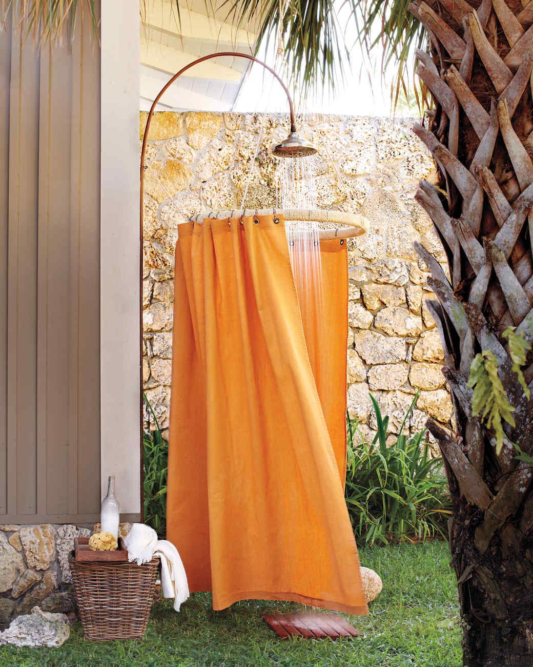 drop-cloth-shower-0555-mld109920.jpg