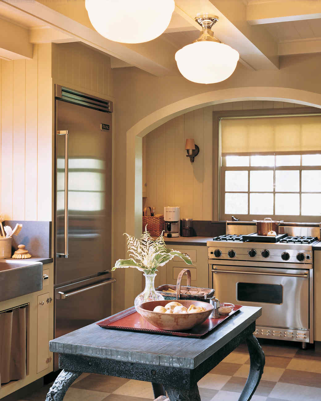 Attirant A Major Kitchen Design Makeover With An Updated Sense Of Tradition