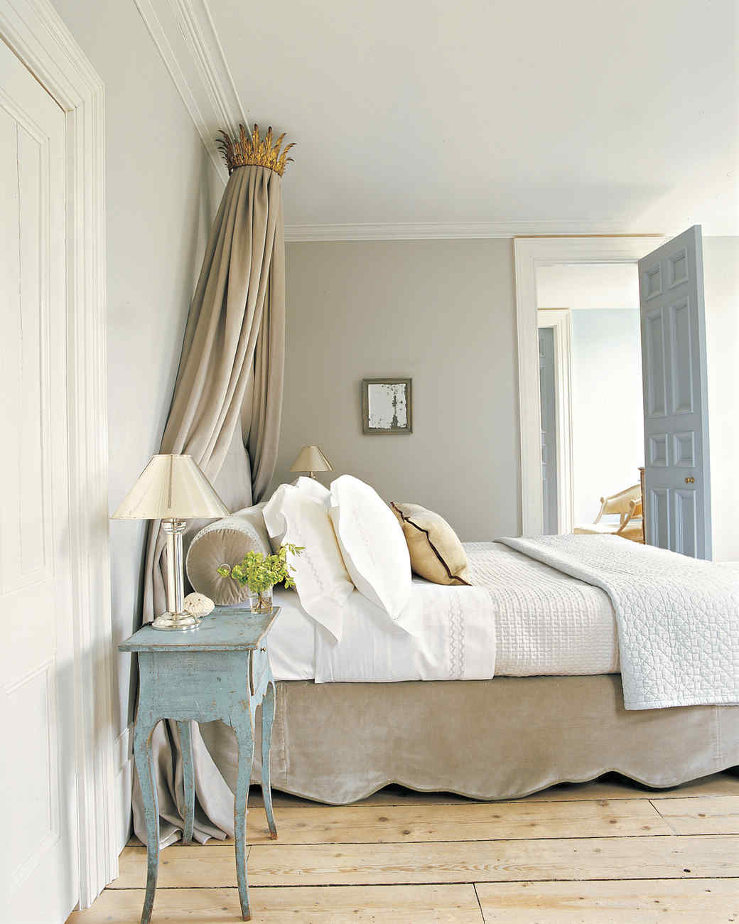 Bedroom Colors To Make It Look Bigger Grey Yellow Blue Bedroom Bedroom Bench Design Ideas Blue And White Bedroom Decor: Martha Stewart