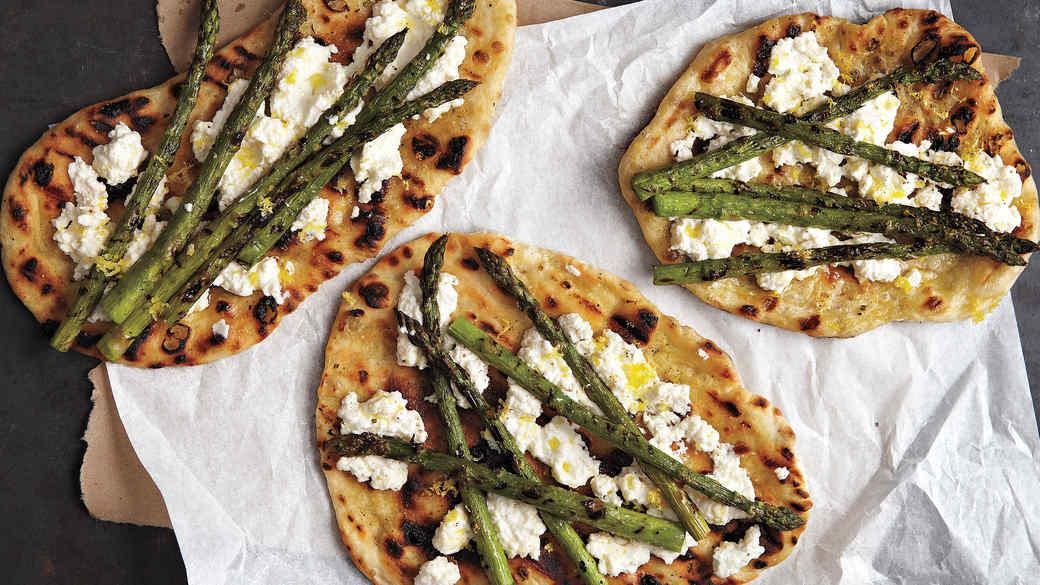 med105744_0710_grilled_asparagus.jpg