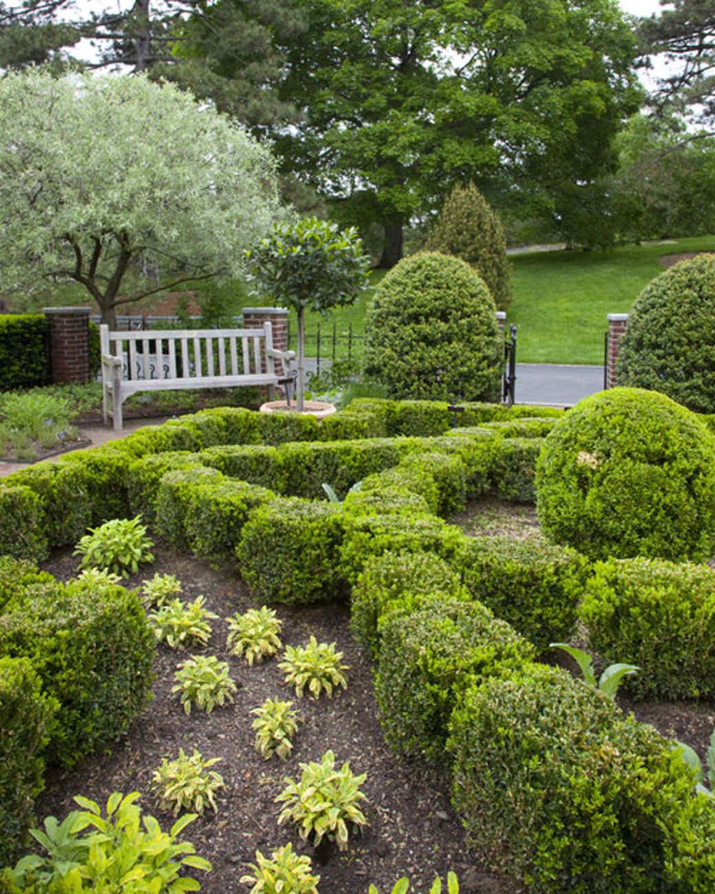 ms_edible_garden_mg_0116_end_360.jpg