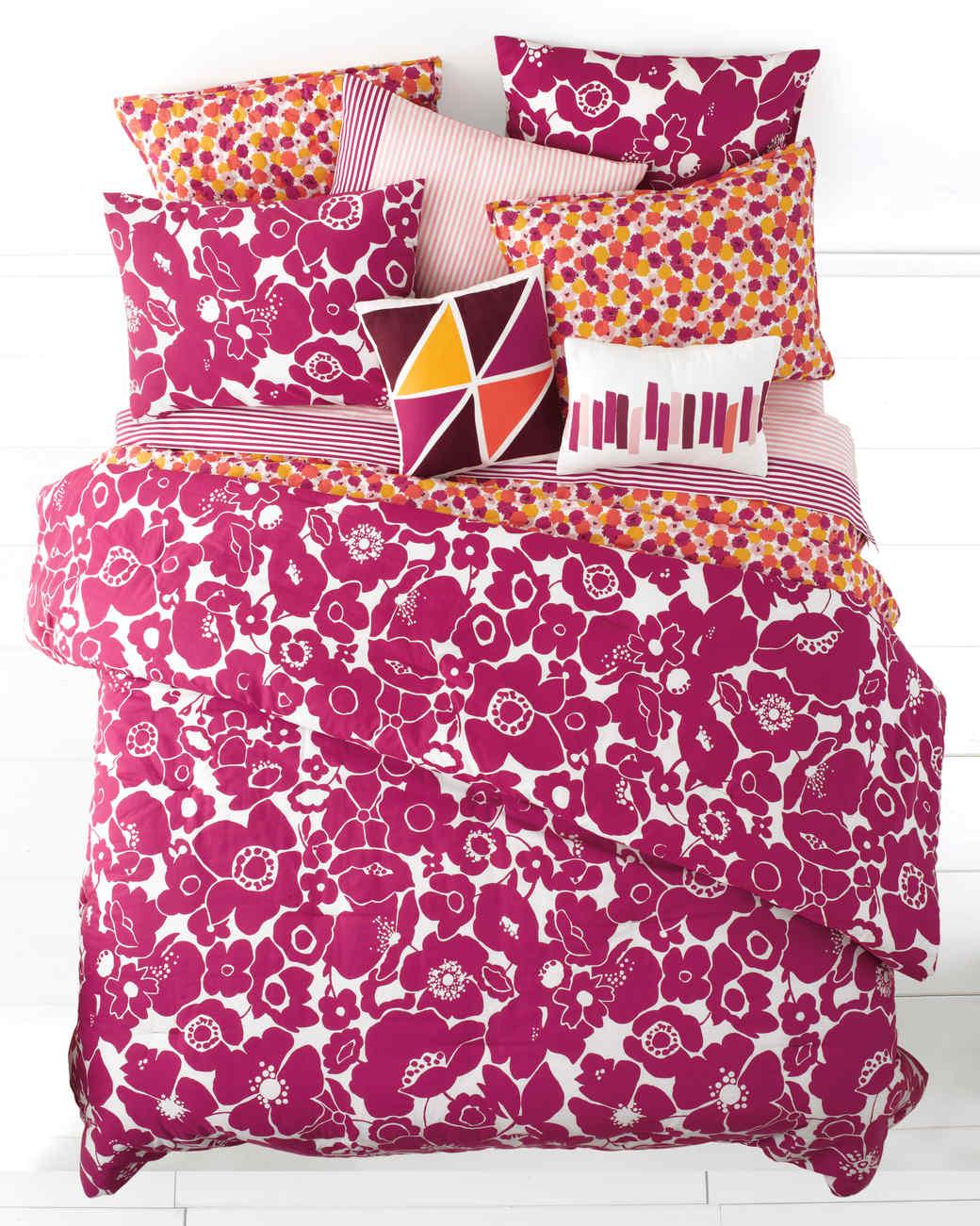 msmacys-gradgifts-comforter-0515.jpg