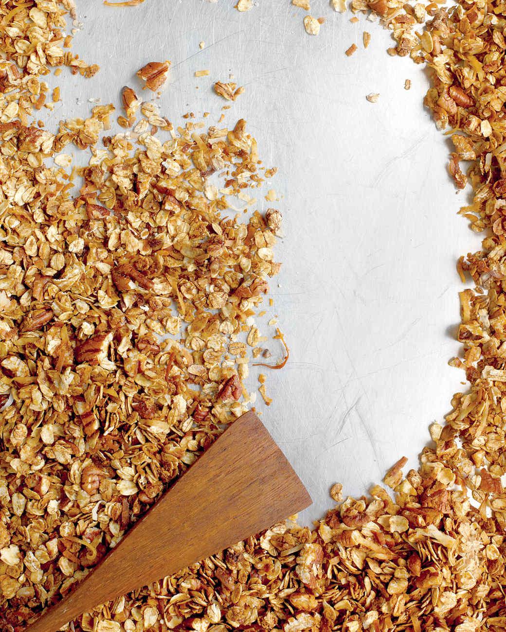 pecan-molasses-granola-med107484.jpg