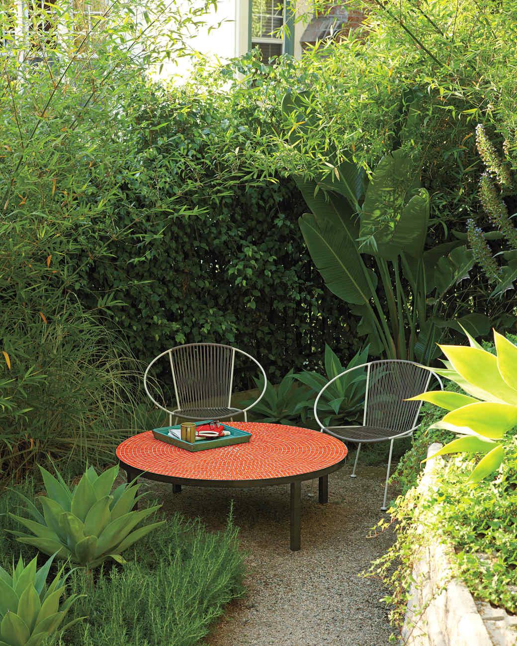 anderson-house-yard-0911mld107423.jpg