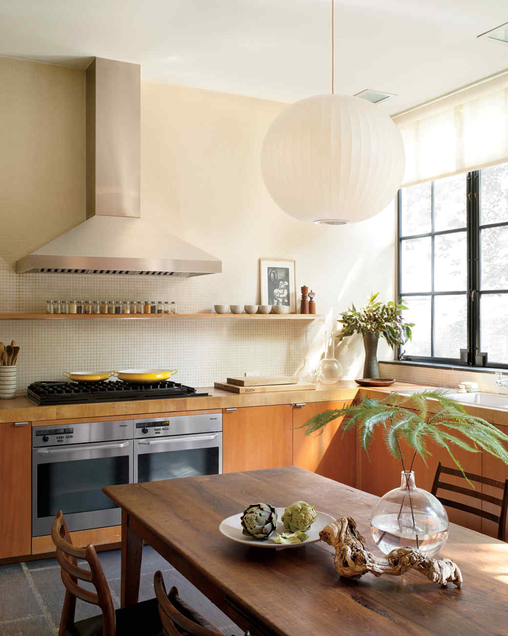 Kitchen accents we love martha stewart for Zen style kitchen designs