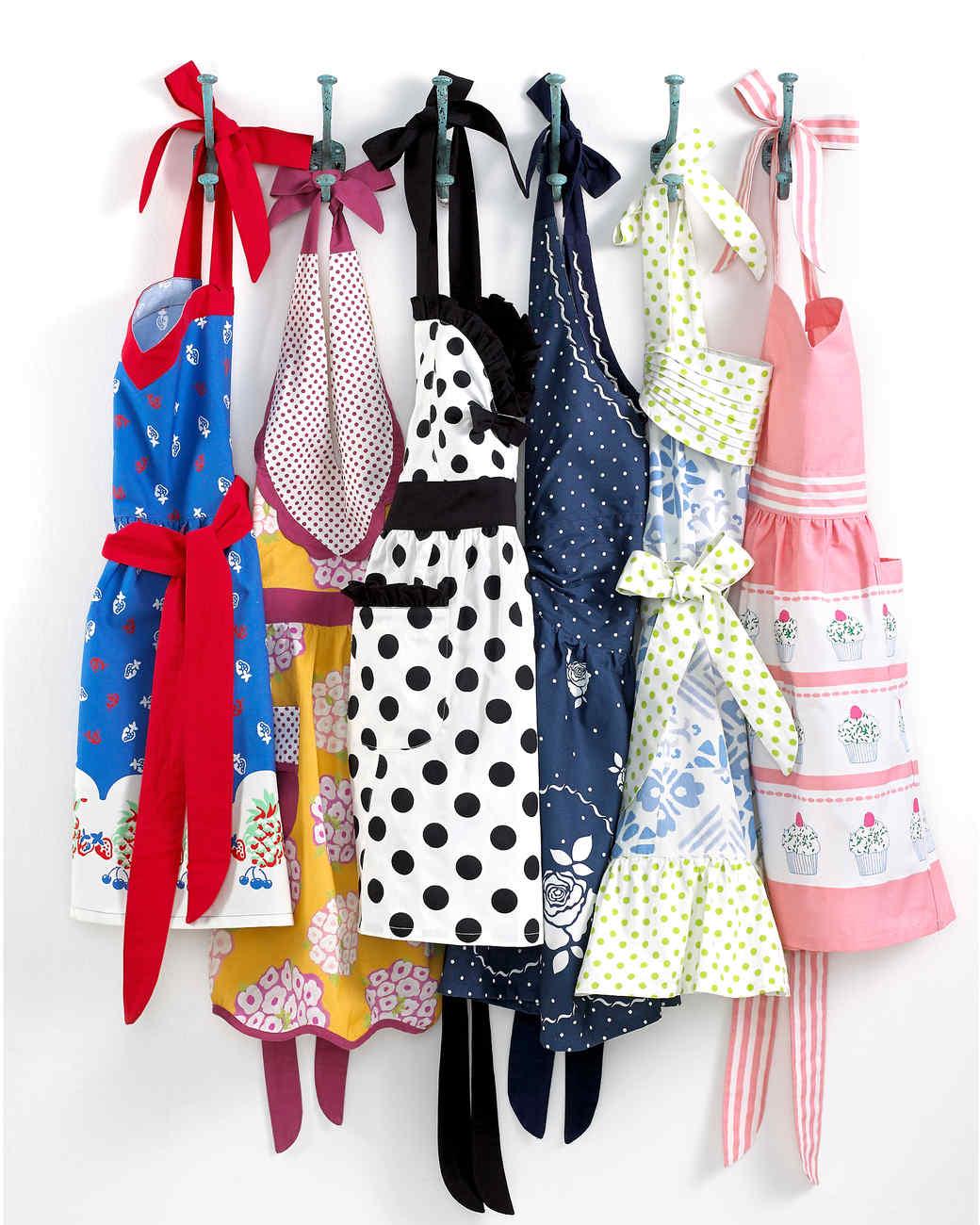 msmacys-fashionaprons-retail-0414.jpg