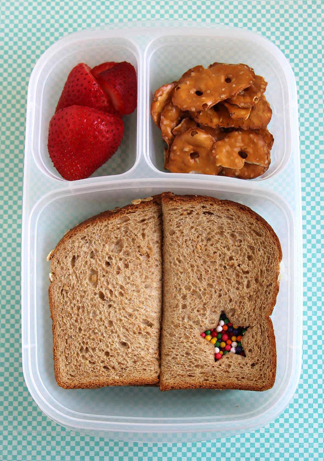 sunbutter-sandwich-nut-free-lunch.jpg (skyword:335942)
