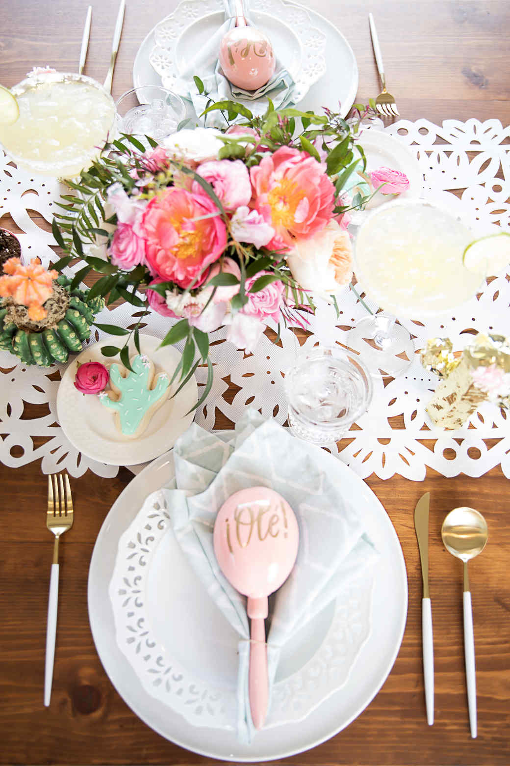 cinco de mayo floral fiesta table place setting