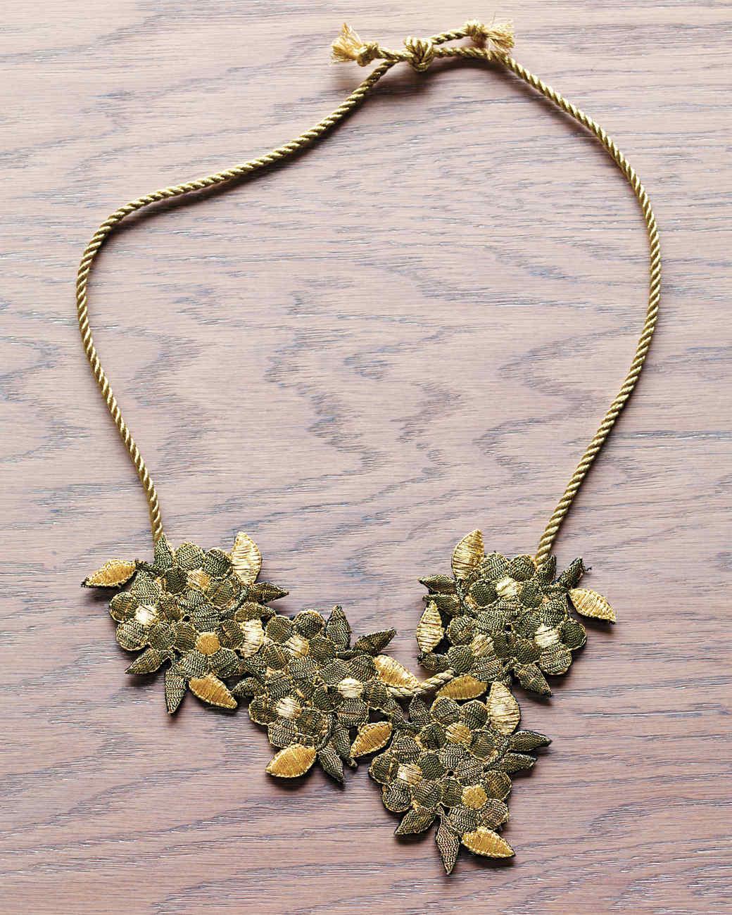 gold-flower-overhead-029-mld109761.jpg