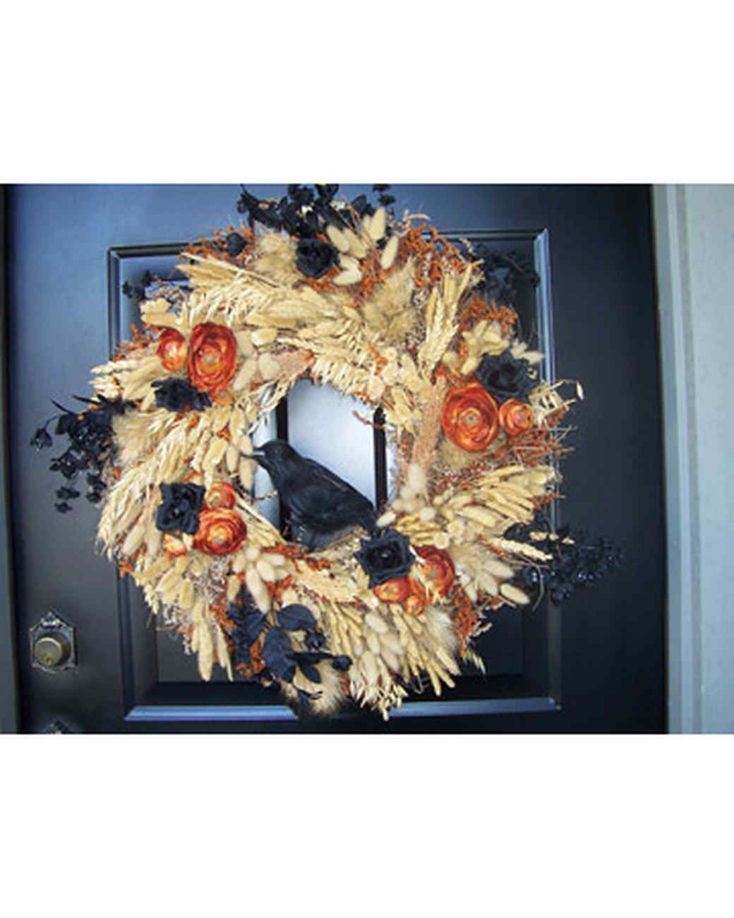 halloween_ugc09_crowharvest_wreath.jpg
