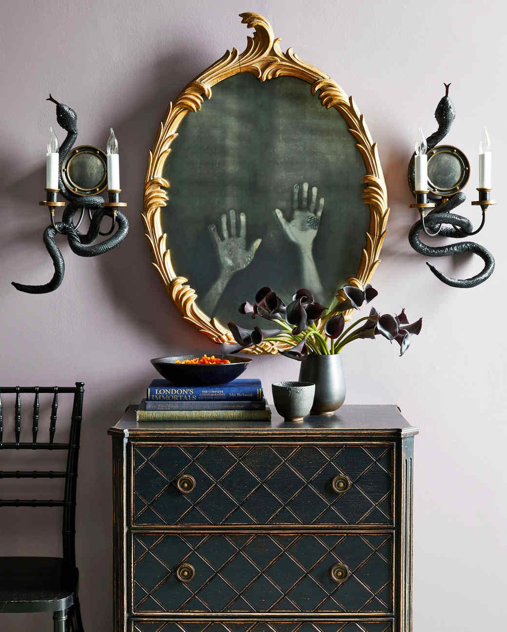 Merveilleux Haunted Mirror Hands