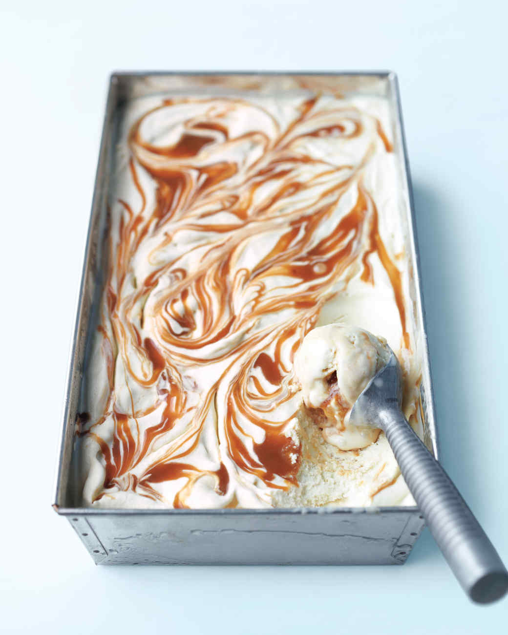 ice-cream-banana-caramel-mld108857.jpg