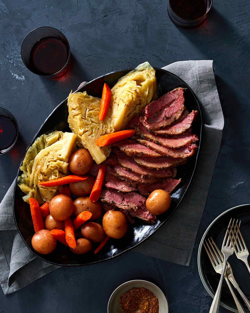 instant pot corned beef with cabbage potatoes and carrots