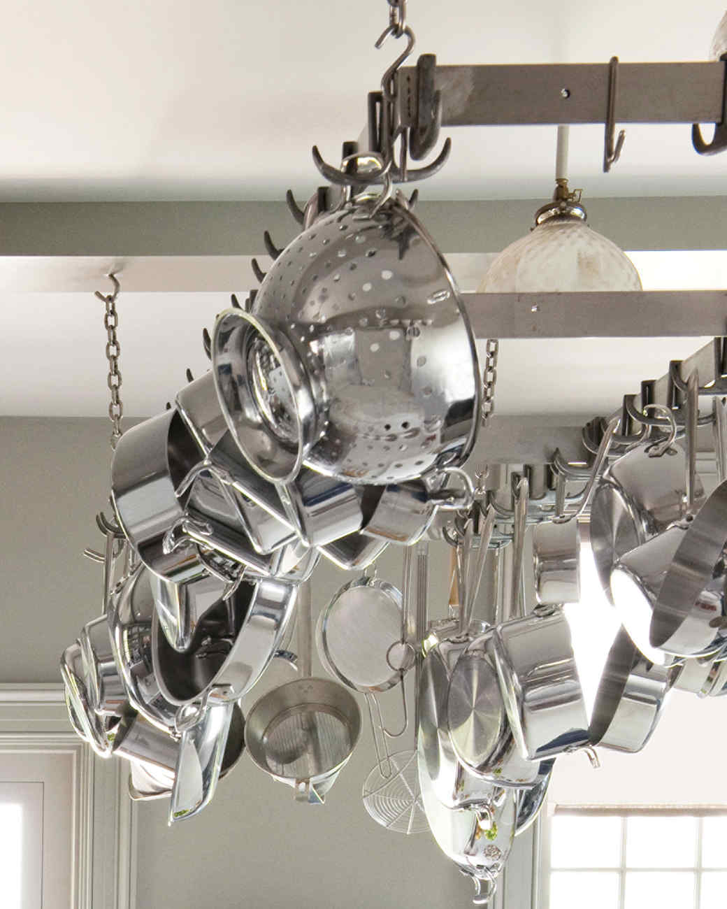 md106031_0910_kitchen_hanging_rack.jpg