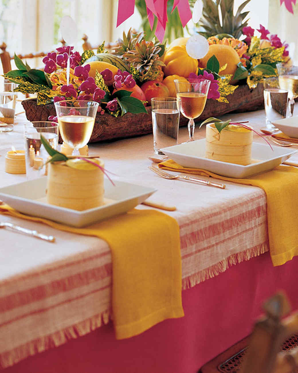 Summer centerpieces for entertaining martha stewart for Table arrangements