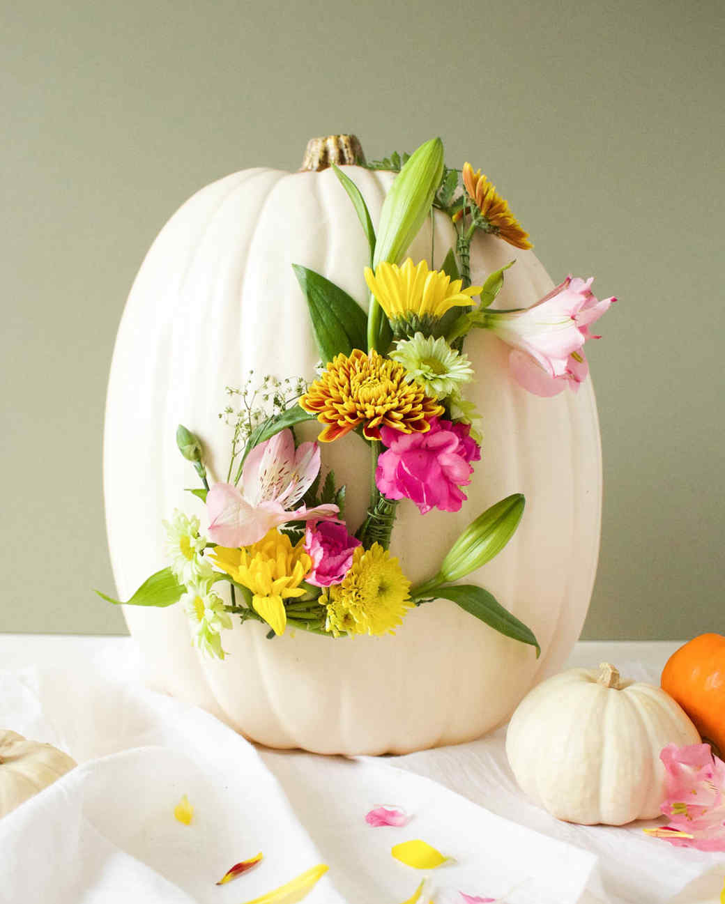 floral monogram pumpkin DIY