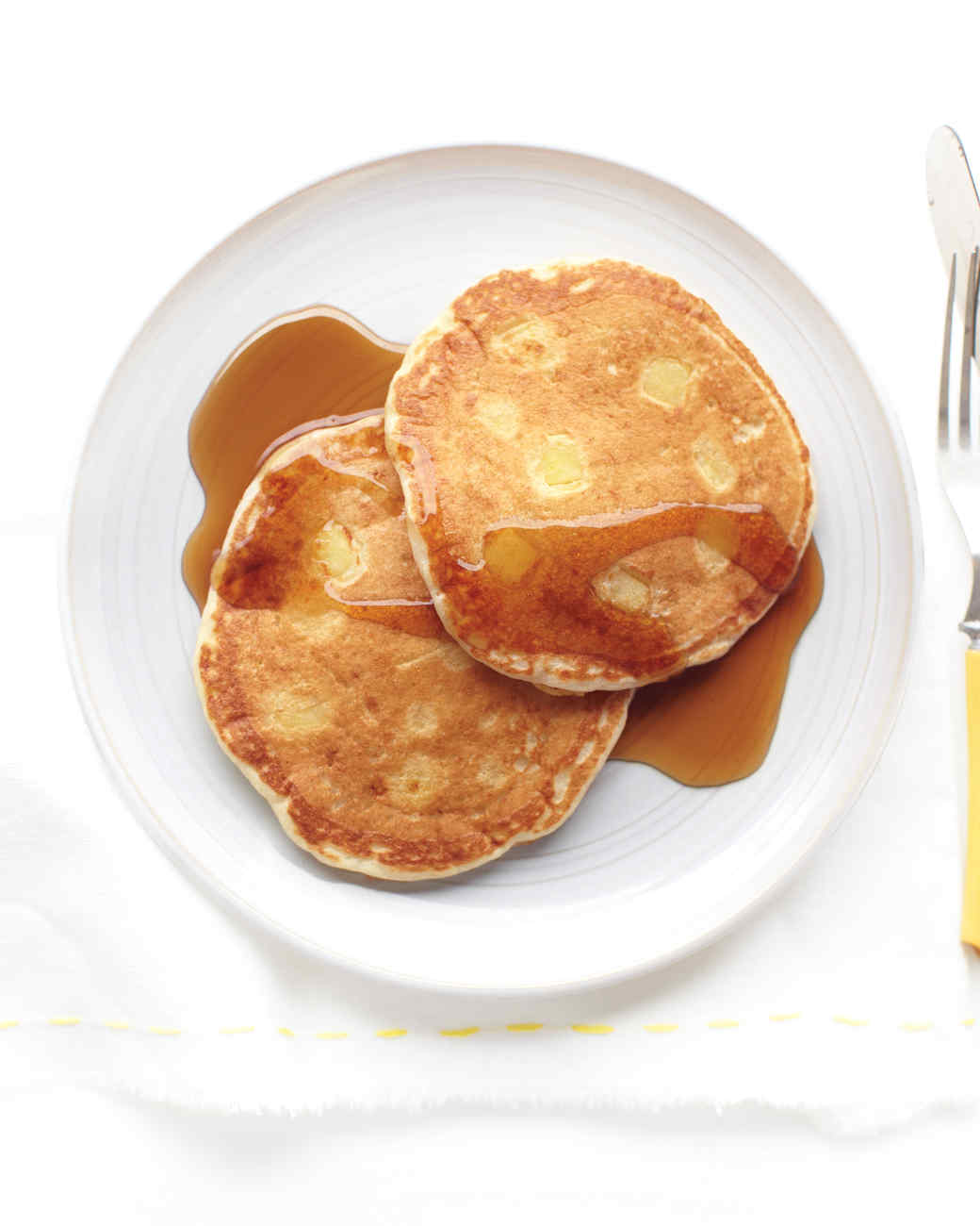 apple-buttermilk-pancakes-med108019.jpg