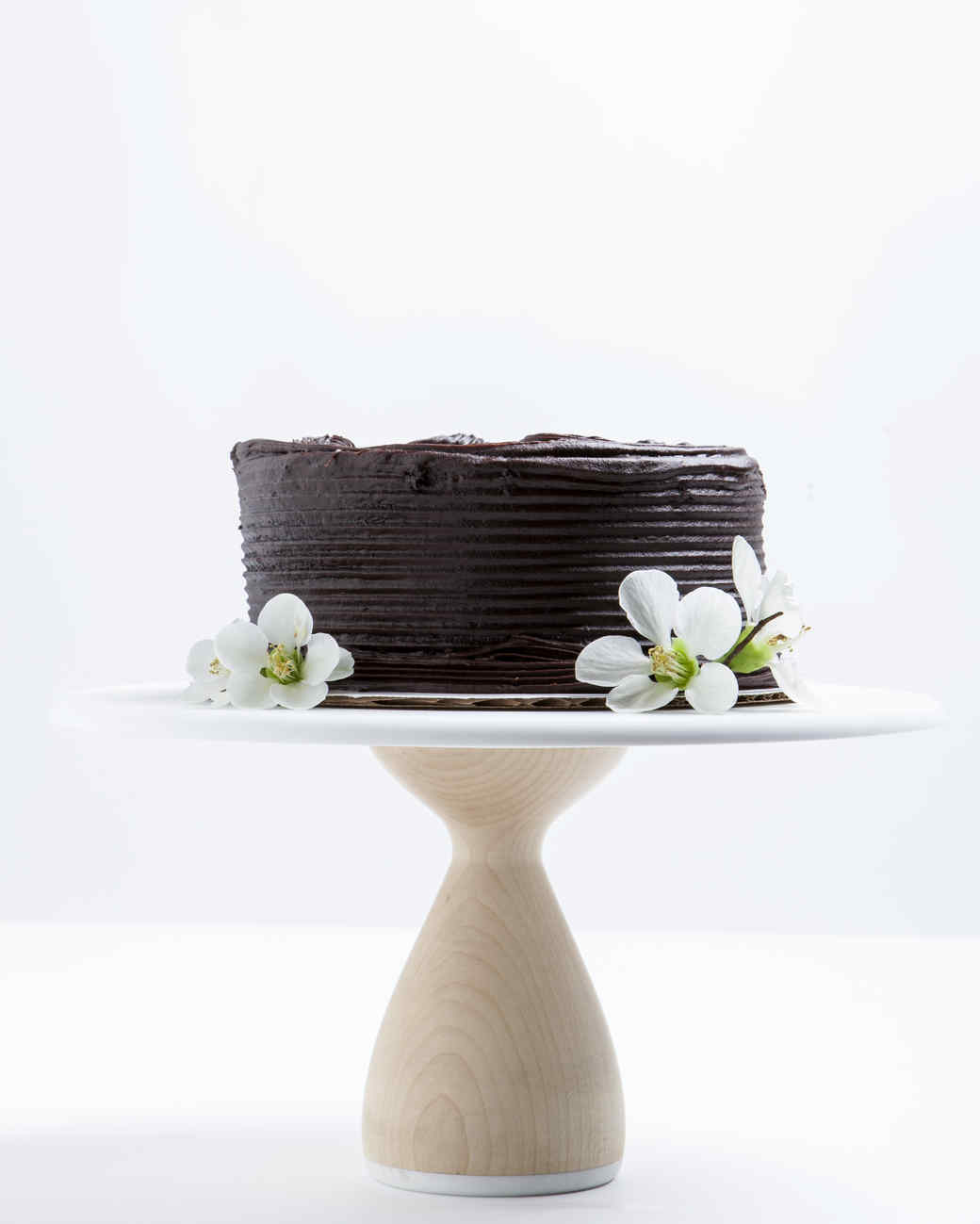 cake-stand-with-cake-aheirloom-0517