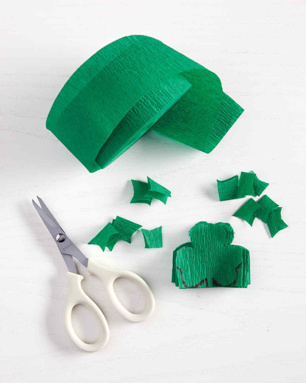 crafts-shamrockhowto2-006-mld110777.jpg