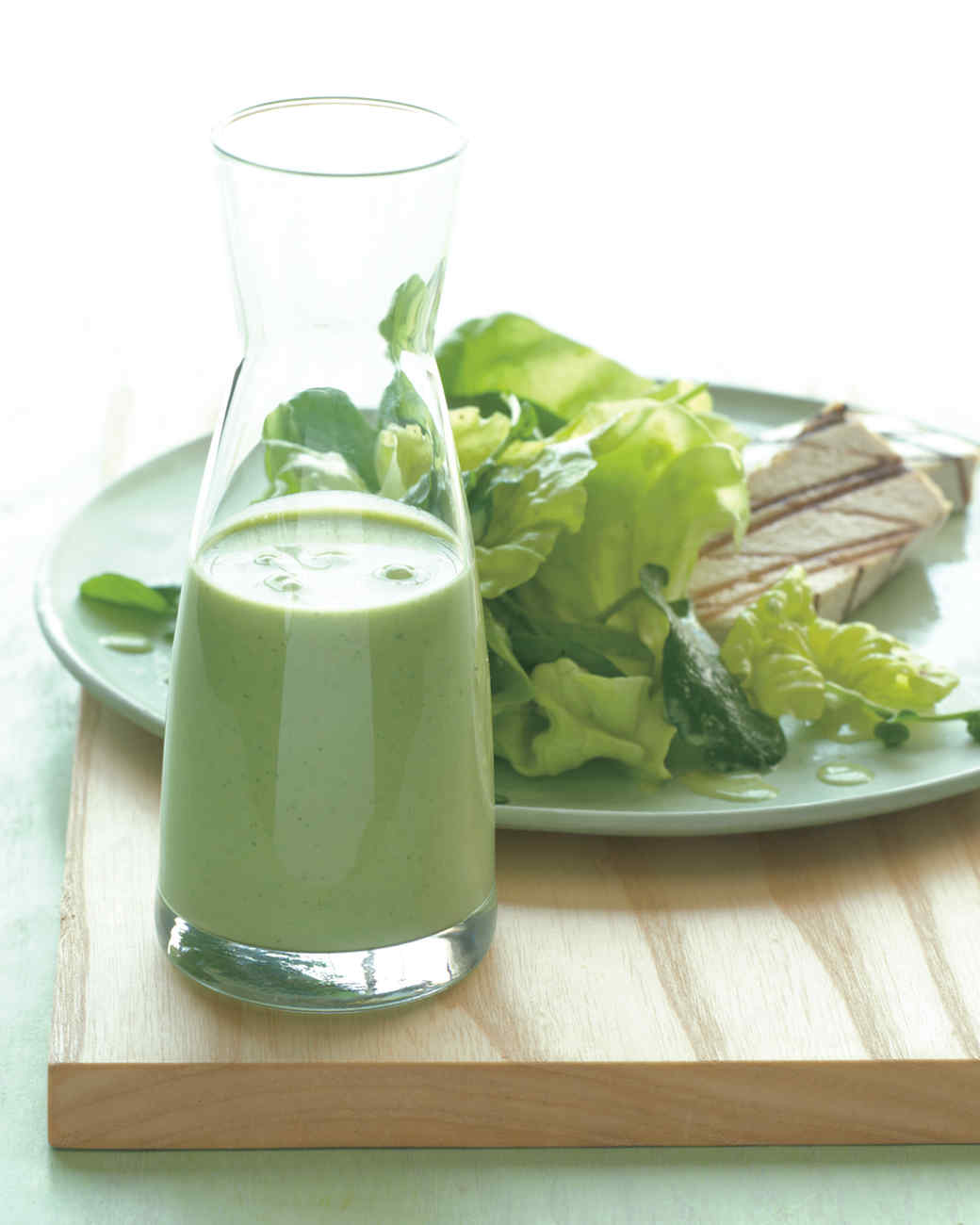 creamy garlic parsley salad dressing