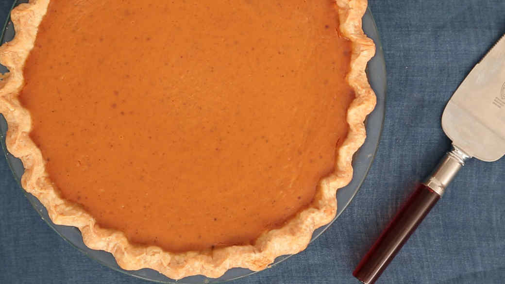 how-to_pie_crust_essentials_by_hand.jpg
