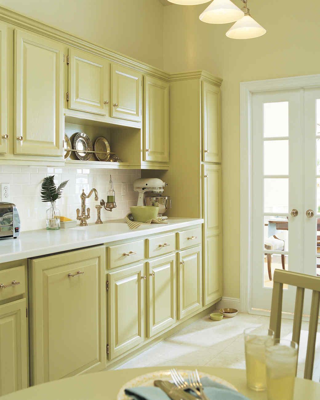 kitchen-transformed-03-d100607-0815.jpg