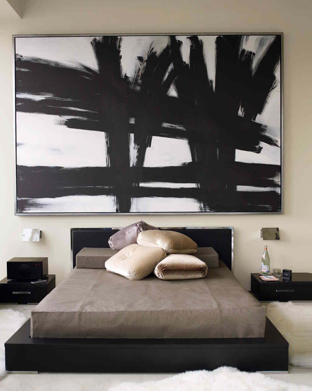 md106055_0910_bedroomdetail_3_21519.jpg