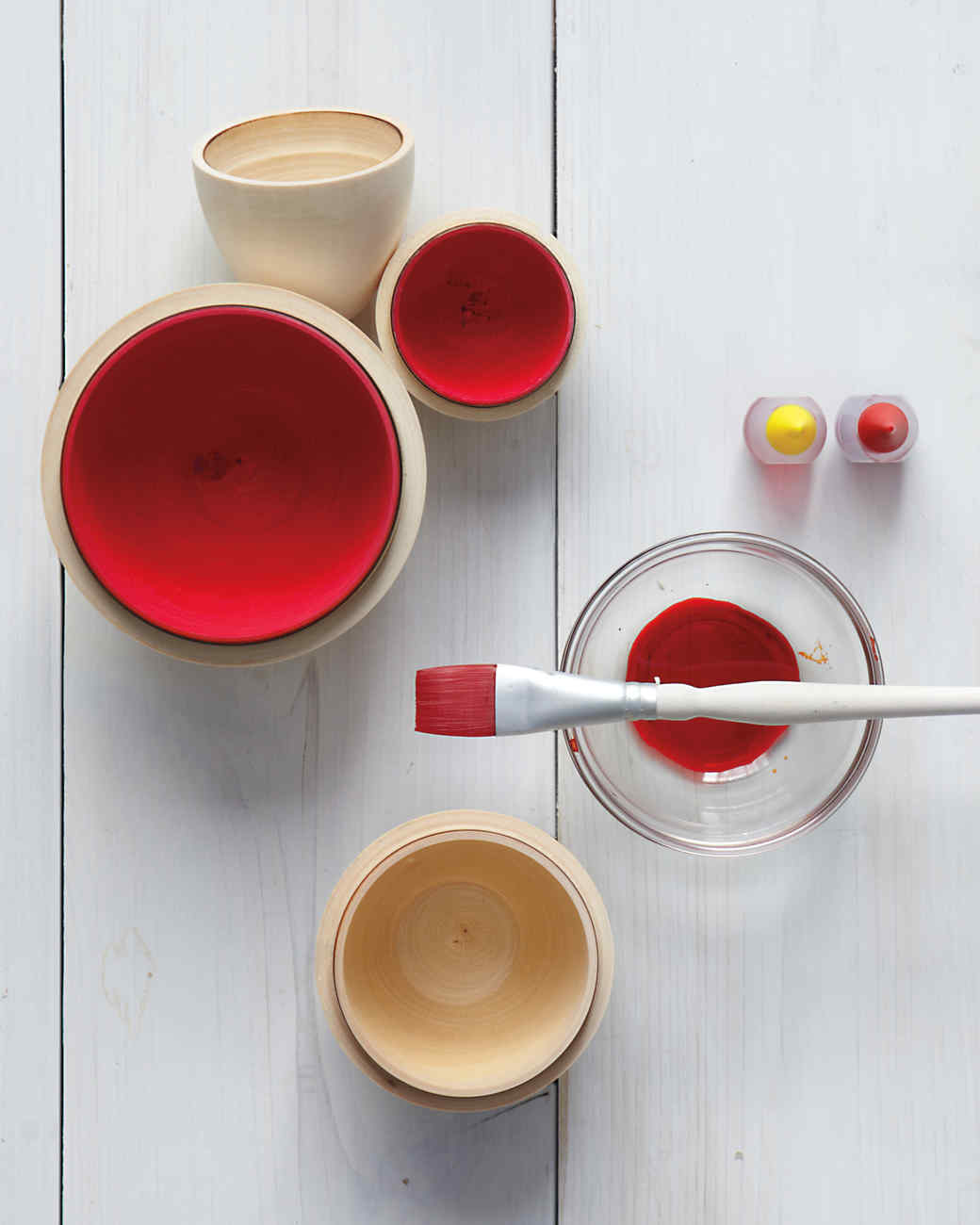 red-eggs-paint-how-to-025-mld109908.jpg