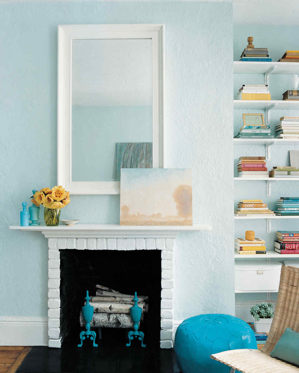 Small-Space Living: See How This Teensy Apartment Was Totally ...