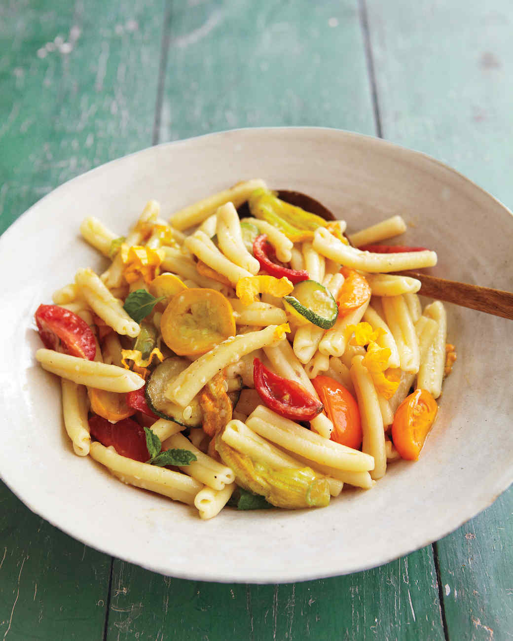 squash-blossoms-pasta-0911mld106586.jpg