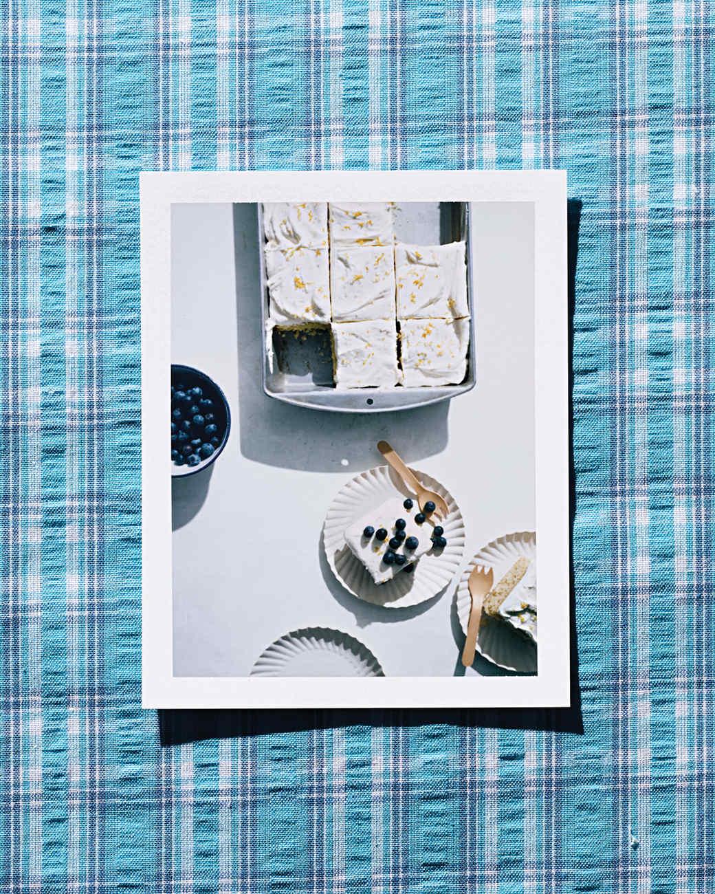 vanilla-sheet-cake-s04-0061-d112928.jpg