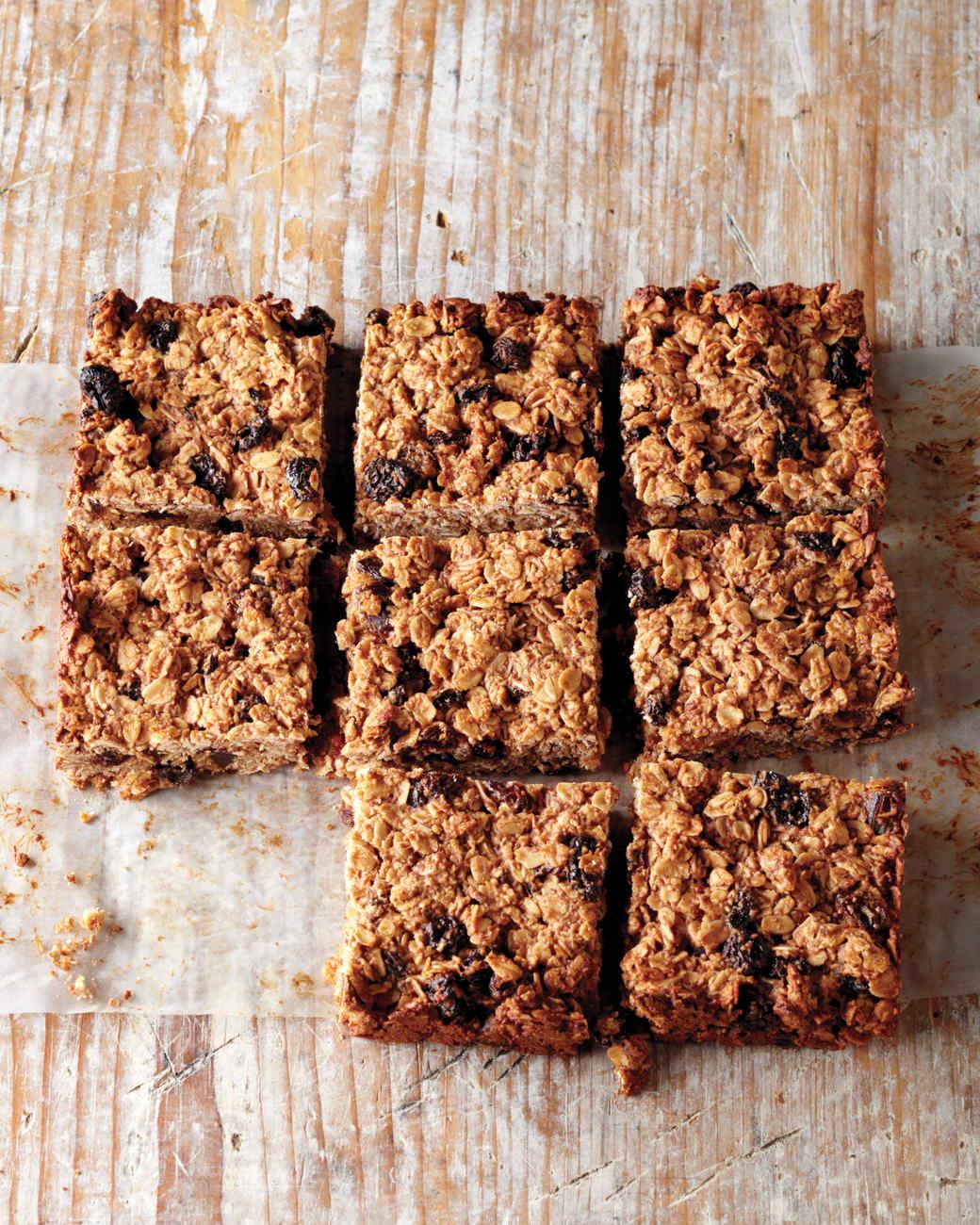 wk2-s-cherry-oat-bars-023-mbd109439.jpg