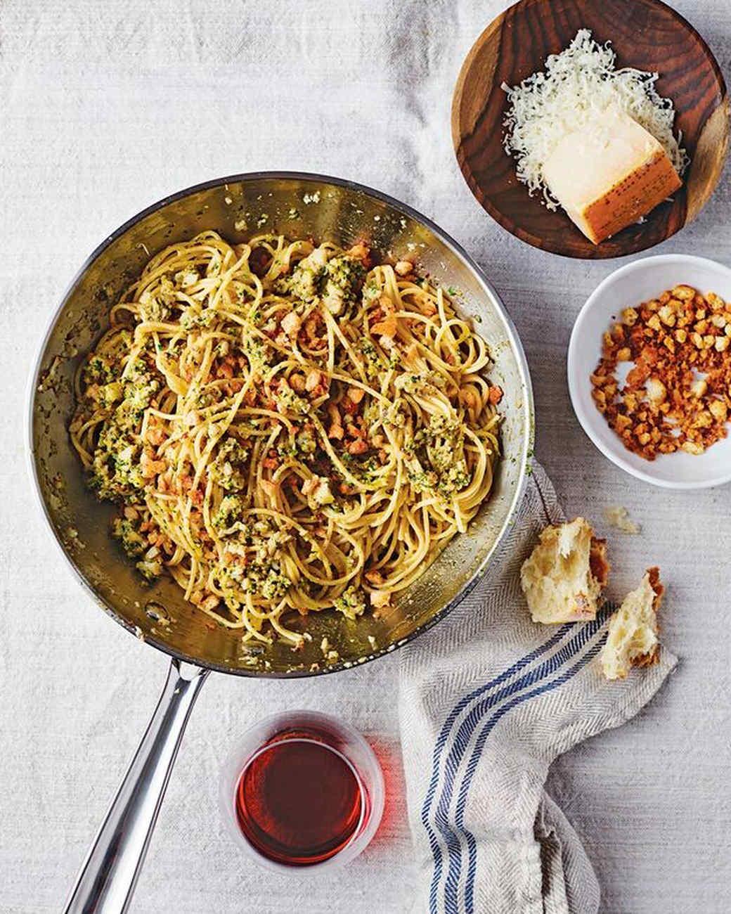 essentialemeril-pastamario-mrkt-0915.jpg